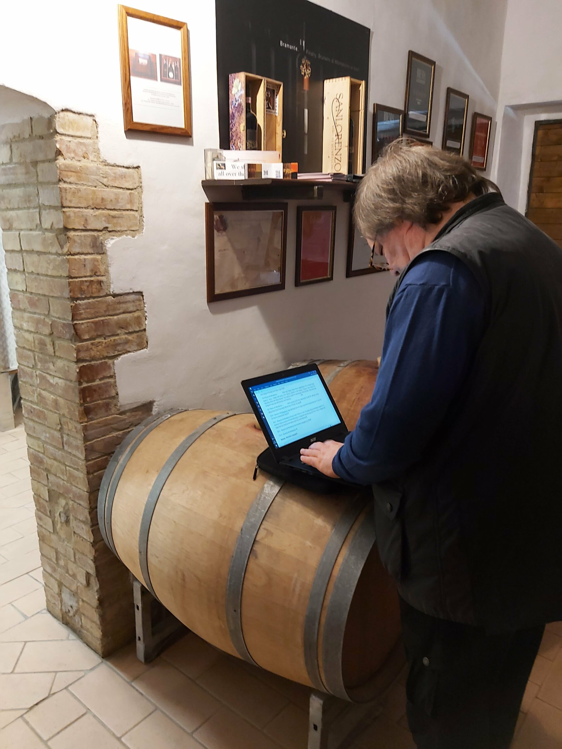 What-the-poor-wine-writer-has-to-go-through-just-to-get-his-job-done..Ian-wìtastinga-dn-writing-away-in-the-cellar-min-scaled-1-3-1
